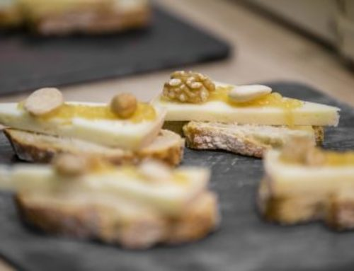 CHEESE AND DRIED NUTS TOAST WITH TRUFFLED ACACIA HONEY